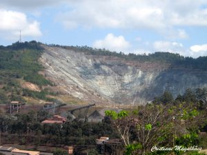 Morro do Cauê devastado