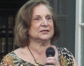 A professora Suzana Alice construiu uma sólida trajetória na área de Letras