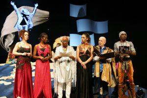 25° Prêmio Braskem de Teatro 2018 - Elenco da cerimônia - Foto Carlos Casaes Ag BAPRESS 239A4117 (1024x683)