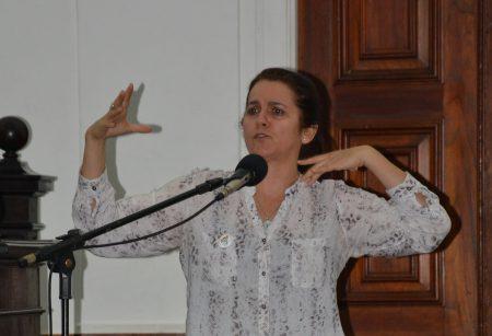 Jaqueline Moll denunciou o fechamento de escolas e a redução do número de estudantes matriculados em instituições com jornada ampliada