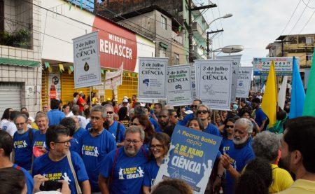 Manifesto reuniu estudantes, pesquisadores e professores universitários em uma ação articulada pela Academia de Ciências da Bahia