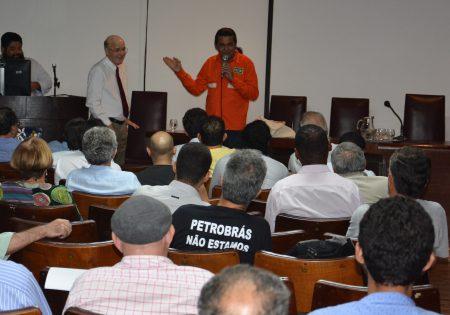 Evento em Salvador foi organizado pelo Sindicato dos Engenheiros da Bahia (Senge-BA) e pelo Sindicato dos professores da Instituições Federais de Ensino Superior da Bahia (Apub)
