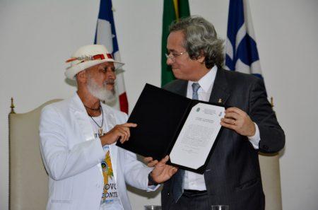 Com mais de 68 anos dedicados à prática e ao ensino da capoeira, mestre Nô é considerado expoente da capoeira Angola no Brasil.