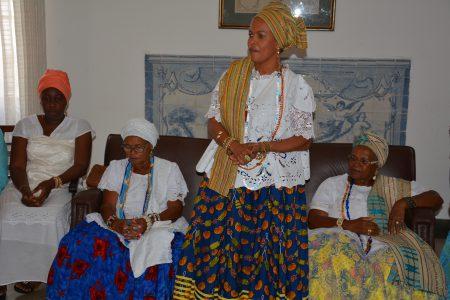 O grupo reúne mais de 30 matriarcas, unidas pelo desejo da construção do Memorial das Mulheres de Axé do Recôncavo Baiano