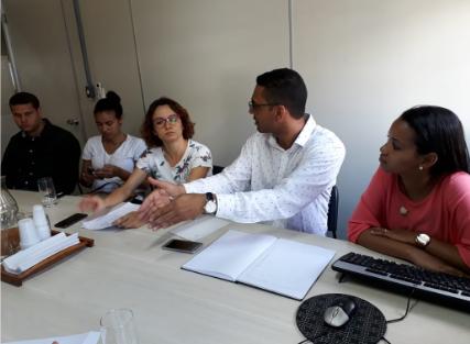 Reunião de planejamento com os fiscais e Gilmar Mendes, do Núcleo de Recursos Naturais (no centro).