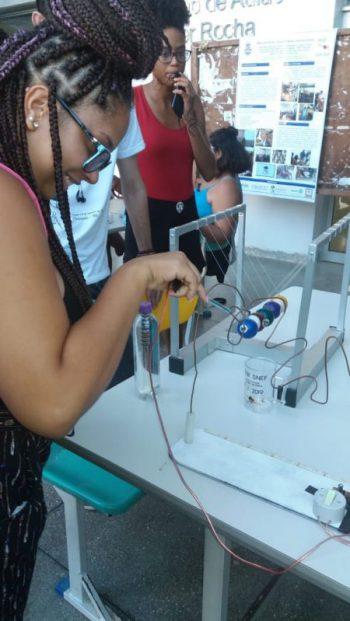 Estudantes participam das atividades promovidas pelo SNEF 2019 no campus da UFBA, em Ondina