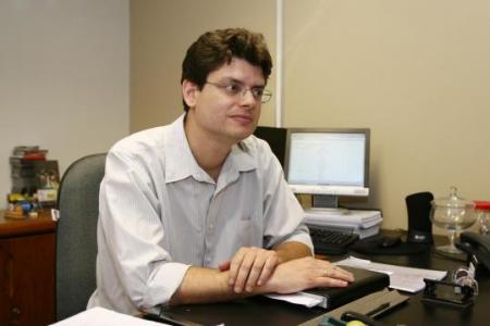 """O pró-reitor de Ensino de Graduação, Penildon Silva Filho: """"A política de reserva de vagas é um indicativo de que a universidade pública defende os direitos humanos"""""""
