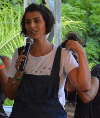 Manuela D'Ávila, vice-candidata nas últimas eleições presidenciais, participou de um dos debates da Bienal da UNE
