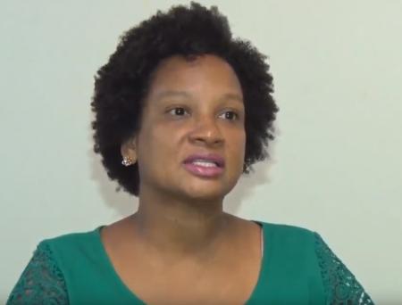 Cássia Maciel, pró-reitora de Assistência Estudantil, destaca mais de 20 modalidades de benefícios referentes a serviço de alimentação, auxílio transporte, auxílio moradia, entre outros