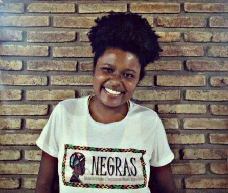 Aniele Berenguer, estudante do 5º semestre de psicologia, estuda questões de gênero e relações raciais no Brasil