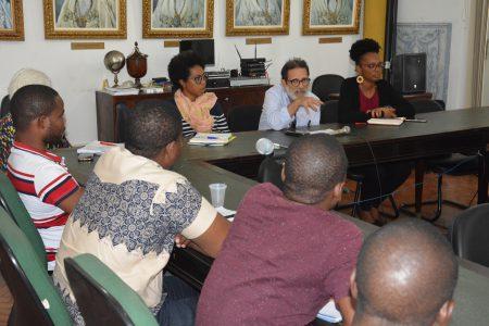 Miguez participou junto com os estudantes de programa de rádio na Metrópole para lançar a campanha e fazer um apelo público sobre a importância de colaborar