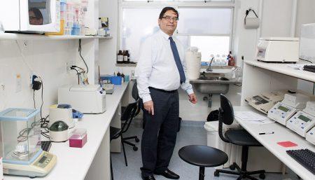 Raymundo Paraná coordena o centro de formação em biologia molecular para investigação de hepatites virais e outras doenças do fígado