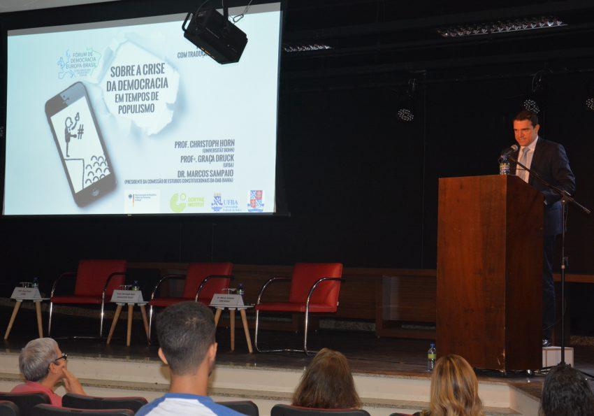 """O debate faz parte do """"Fórum de Democracia Europa-Brasil"""", série de eventos organizados pela Embaixada da Alemanha em diversas cidades brasileiras"""