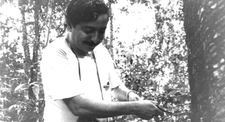 """Ativista ambiental, líder seringueiro e sindicalista, Chico Mendes criou o Conselho Nacional dos Seringueiros e a """"União dos Povos da Floresta"""""""