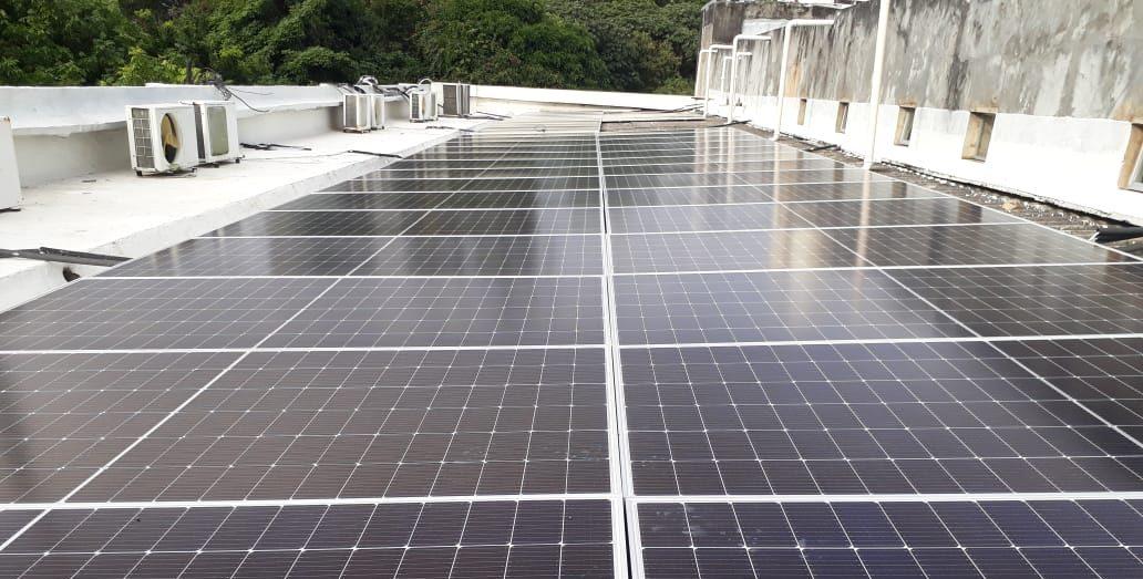 Os dois primeiros módulos que serão inaugurados têm capacidade de produção de energia da ordem de 105.170 KWh/mês, o representa 6,5% do consumo total da UFBA em junho deste ano, que teve um consumo de 1.614.294 KWH/mês